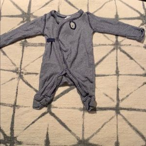 Carters New born SZ sleeper in good condition